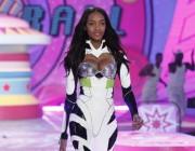 Dior feuert Model Jourdan Dunn wegen zu großer Brüste