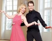 Let's-Dance-Stars präsentieren Abendmode von bonprix