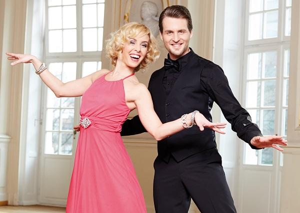 Let 39 s dance stars pr sentieren abendmode von bonprix for Abendmode bonprix
