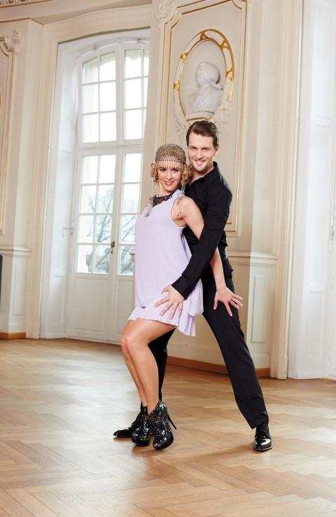 Let s dance stars pr sentieren abendmode von bonprix for Abendmode bonprix